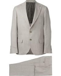 Abito di lana grigio di Brunello Cucinelli