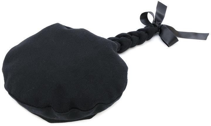 Berretto nero di Moschino