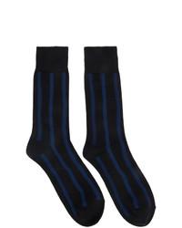 Calzini a righe orizzontali blu scuro di Issey Miyake Men