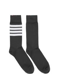 Calzini a righe orizzontali grigio scuro di Thom Browne