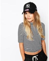 Cappellino con visiera nero e bianco di New Era