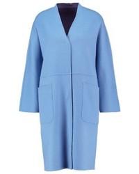 Cappotto azzurro di Max Mara