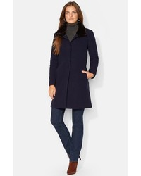 Cappotto con collo di pelliccia blu scuro
