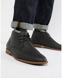 Chukka in pelle nere di New Look