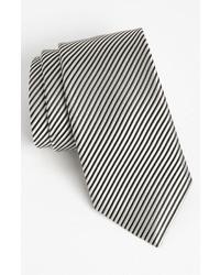 Cravatta a righe verticali bianca e nera