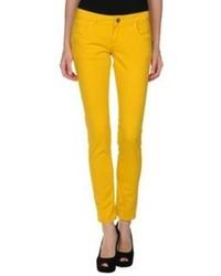 Jeans aderenti gialli
