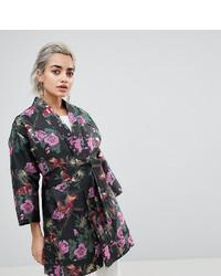 Kimono a fiori nero di Asos Petite