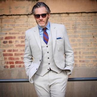 ffda2bfb7917 ... Look alla moda per uomo: Abito a tre pezzi di lana beige, Camicia  elegante