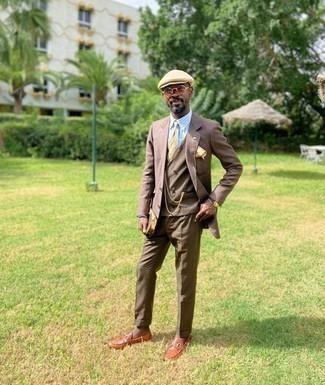 Moda uomo anni 40: Mostra il tuo stile in una camicia elegante a righe verticali azzurra per una silhouette classica e raffinata