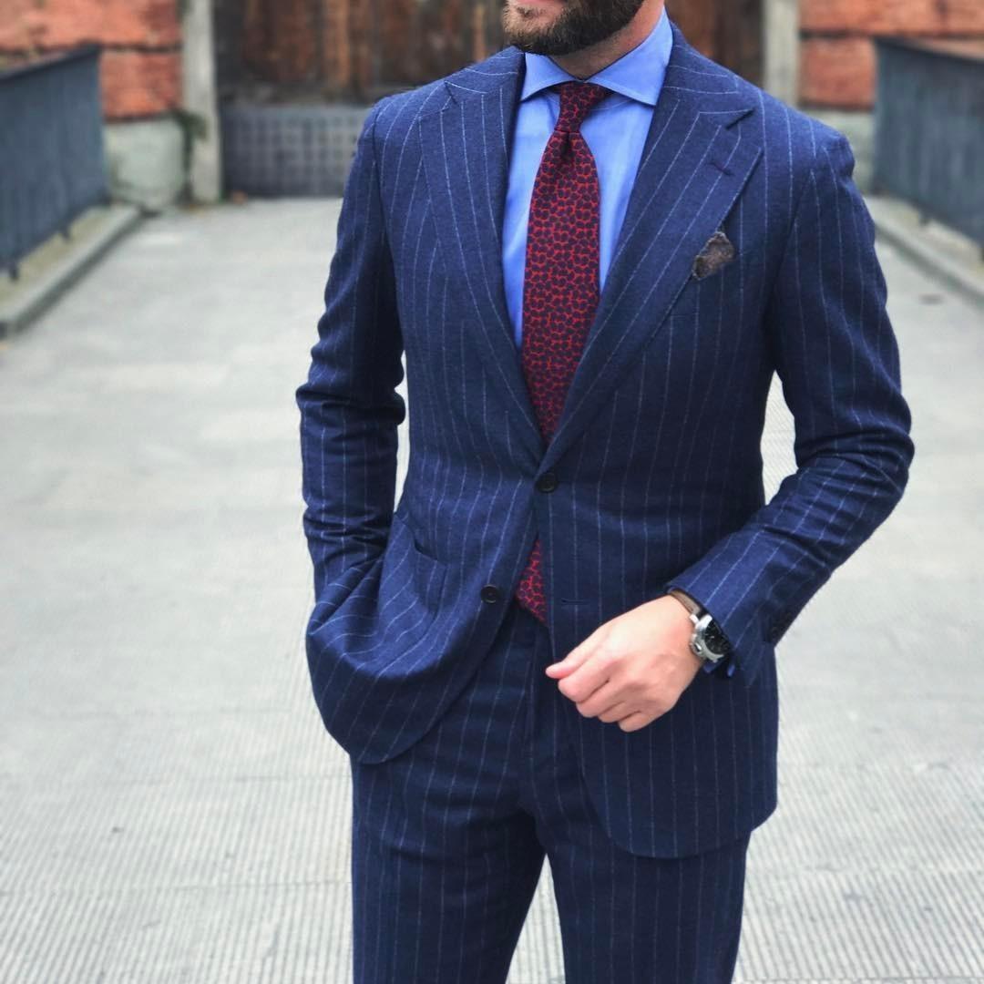 Estremamente Look alla moda per uomo: Abito a righe verticali blu scuro  RF23