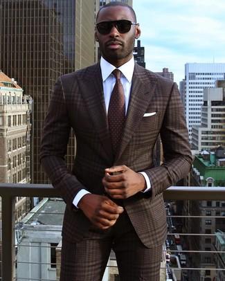 ... Look alla moda per uomo  Abito scozzese marrone scuro 8f47efeac35
