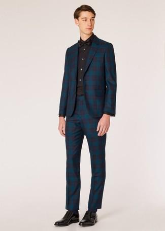 Come indossare e abbinare: abito scozzese foglia di tè, camicia elegante nera, scarpe oxford in pelle nere, papillon nero