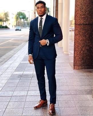Come indossare e abbinare una cravatta a righe orizzontali blu scuro e bianca: Sfoggia il tuo aspetto migliore con un abito blu scuro e una cravatta a righe orizzontali blu scuro e bianca. Per un look più rilassato, mettiti un paio di scarpe oxford in pelle terracotta.