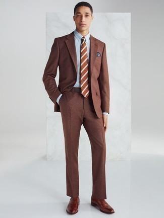 Come indossare e abbinare una cintura in pelle marrone scuro: Potresti indossare un abito marrone e una cintura in pelle marrone scuro per un look semplice, da indossare ogni giorno. Aggiungi un paio di scarpe oxford in pelle terracotta al tuo look per migliorare all'istante il tuo stile.