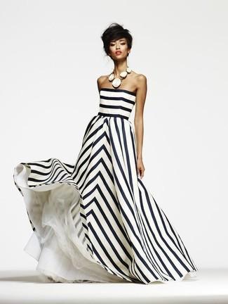 b6dca43eca46 Come indossare un vestito a righe verticali bianco e nero (25 foto ...