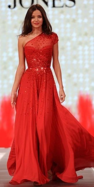 premium selection 14e2b 09adb Come indossare e abbinare un vestito con paillettes rosso ...