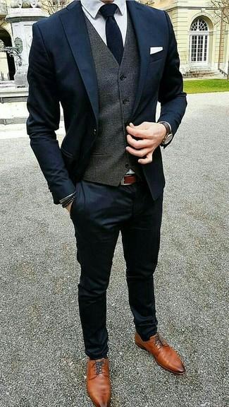 Quale cravatta indossare con un abito blu scuro (302 foto)  e7db98c2875