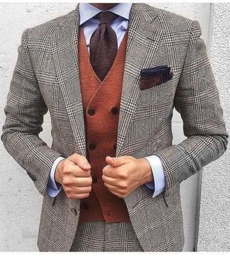 Come indossare e abbinare un fazzoletto da taschino stampato marrone scuro: Prova a combinare un abito di lana con motivo pied de poule grigio con un fazzoletto da taschino stampato marrone scuro per un look spensierato e alla moda.