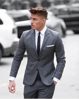 ... Look alla moda per uomo  Abito grigio 55f1b442383