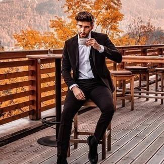 Come indossare e abbinare calzini grigio scuro: Opta per un abito marrone scuro e calzini grigio scuro per un look spensierato e alla moda. Scegli uno stile classico per le calzature e calza un paio di stivali chelsea in pelle scamosciata neri.