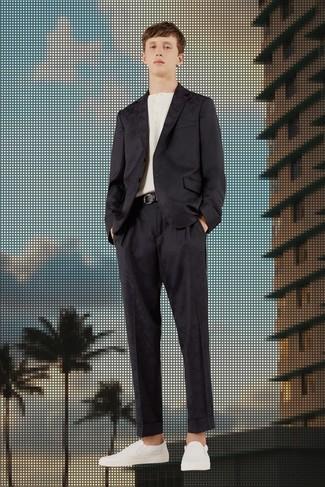 ... Look alla moda per uomo  Abito di raso nero a681e81e516