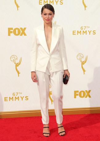 Blazer bianco pantaloni stretti in fondo bianchi sandali con tacco neri large 13698