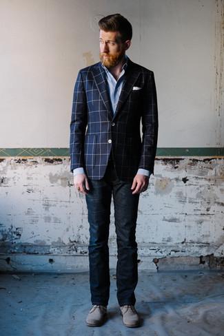 La versatilità di un blazer scozzese blu scuro per uomo di Ermenegildo Zegna e jeans blu scuro li rende capi in cui vale la pena investire. Rifinisci questo look con un paio di chukka in pelle scamosciata grigie.