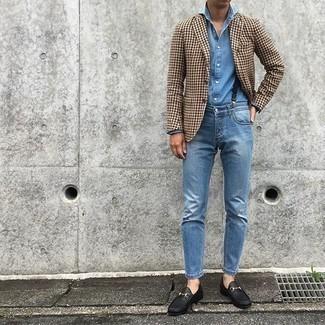 Come indossare e abbinare bretelle blu scuro: Prova a combinare un blazer con motivo pied de poule marrone con bretelle blu scuro per un look comfy-casual. Scegli un paio di mocassini eleganti in pelle neri per dare un tocco classico al completo.