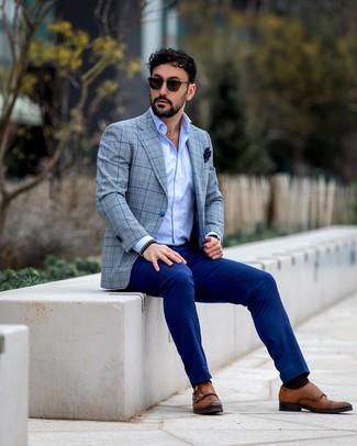 Come indossare e abbinare pantaloni eleganti blu: Mostra il tuo stile in un blazer scozzese grigio con pantaloni eleganti blu per essere sofisticato e di classe. Scarpe double monk in pelle marroni sono una valida scelta per completare il look.