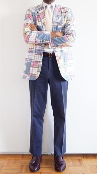 Come indossare e abbinare calzini a righe orizzontali blu scuro: Potresti abbinare un blazer scozzese multicolore con calzini a righe orizzontali blu scuro per un look comfy-casual. Mostra il tuo gusto per le calzature di alta classe con un paio di mocassini eleganti in pelle bordeaux.