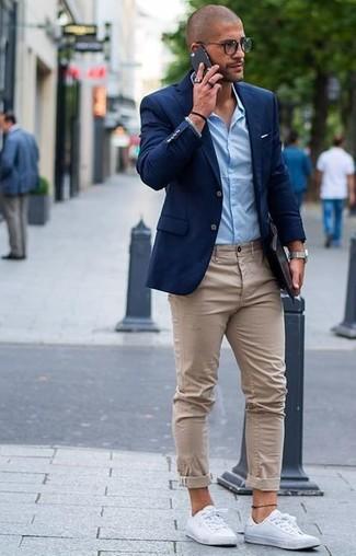 Giacca blu pantalone beige uomo