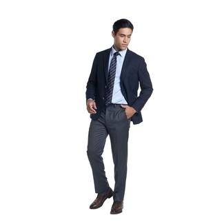 Come indossare e abbinare una cravatta a righe orizzontali blu scuro: Prova a combinare un blazer blu scuro con una cravatta a righe orizzontali blu scuro come un vero gentiluomo. Ispirati all'eleganza di Luca Argentero e completa il tuo look con un paio di scarpe derby in pelle marrone scuro.