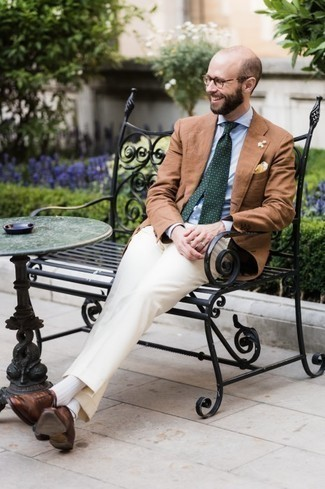 Trend da uomo 2020: Punta su una camicia elegante azzurra per una silhouette classica e raffinata