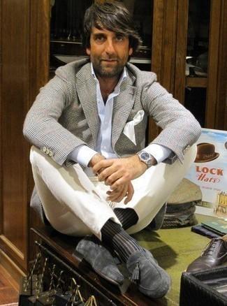 Come indossare e abbinare calzini neri: Potresti indossare un blazer scozzese grigio e calzini neri per una sensazione di semplicità e spensieratezza. Completa il tuo abbigliamento con un paio di mocassini con nappine in pelle scamosciata grigio scuro.