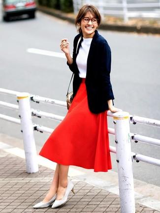 more photos 58cd5 8d04d Look alla moda per donna: Blazer blu scuro, Dolcevita bianco ...