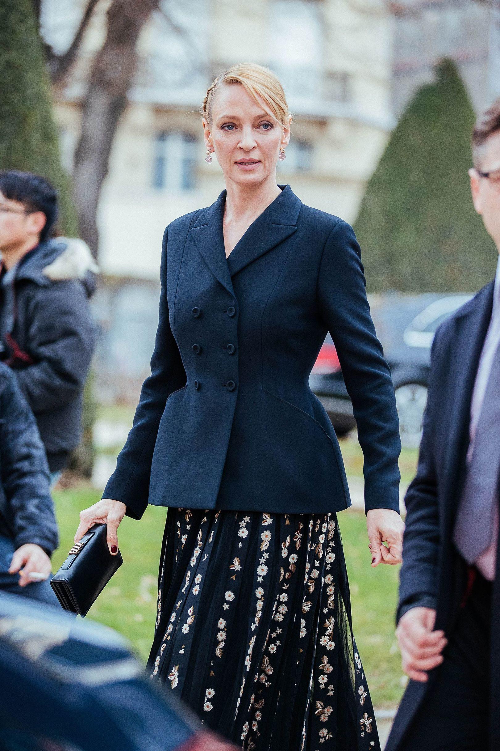 f28b8c9f8738 Come indossare un vestito longuette in tulle ricamato nero (2 foto ...