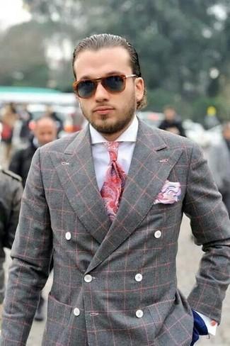 Come indossare e abbinare: blazer doppiopetto scozzese grigio, camicia elegante bianca, pantaloni eleganti blu scuro, cravatta con stampa cachemire rossa