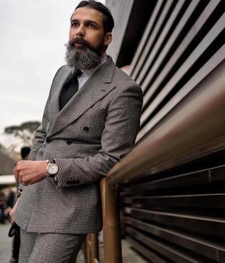 Come indossare e abbinare: blazer doppiopetto scozzese grigio, camicia elegante bianca, pantaloni eleganti scozzesi grigi, cravatta nera