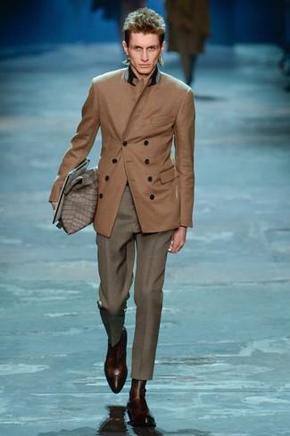 Come indossare un blazer doppiopetto marrone (52 foto)  51734f66b5d