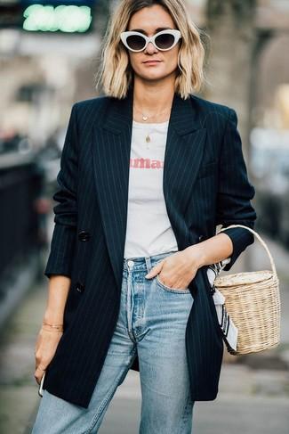 2533b5a8e339 Look alla moda per donna  Blazer doppiopetto a righe verticali nero ...
