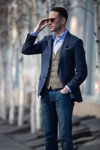 a7dd601e2ef6 ... Look alla moda per uomo: Blazer a quadri blu scuro, Gilet di lana  marrone