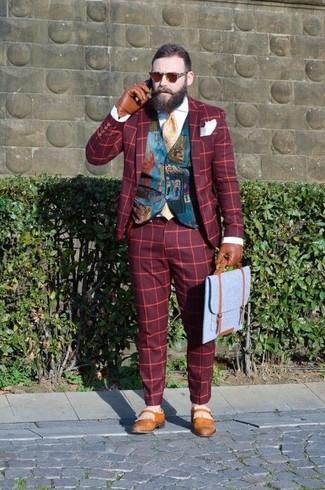 Come indossare e abbinare: blazer scozzese rosso, gilet stampato foglia di tè, camicia elegante bianca, pantaloni eleganti scozzesi rossi