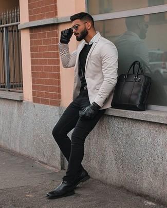 Come indossare e abbinare una camicia a maniche lunghe bianca: Punta su una camicia a maniche lunghe bianca e jeans neri per un fantastico look da sfoggiare nel weekend. Rifinisci il completo con un paio di stivali chelsea in pelle neri.