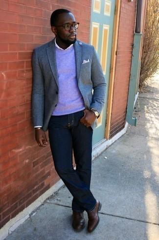 Come indossare e abbinare scarpe oxford in pelle marroni: Potresti abbinare un blazer azzurro con jeans blu scuro, perfetto per il lavoro. Impreziosisci il tuo outfit con un paio di scarpe oxford in pelle marroni.