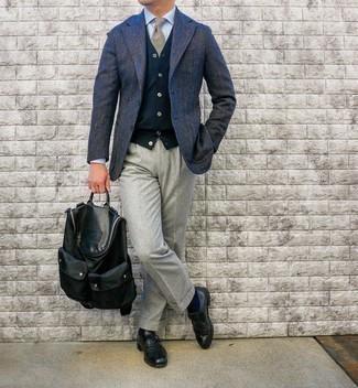 Come indossare e abbinare una cravatta scozzese marrone chiaro: Indossa un blazer di lana a spina di pesce blu scuro con una cravatta scozzese marrone chiaro per essere sofisticato e di classe. Questo outfit si abbina perfettamente a un paio di scarpe monk in pelle nere.