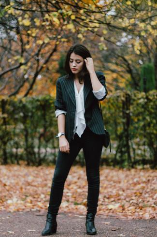 663b78d40609 ... Look alla moda per donna  Blazer a righe verticali nero