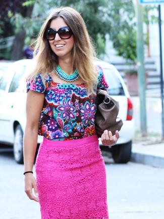 0118cdfe1e ... Look alla moda per donna: Camicetta manica corta a fiori multicolore,  Gonna a tubino