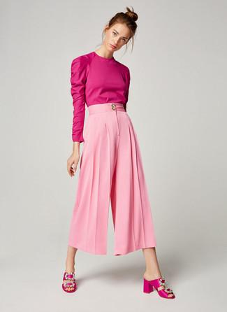 a089894343ea Come indossare: camicetta manica lunga fucsia, gonna pantalone rosa,  sandali con tacco di
