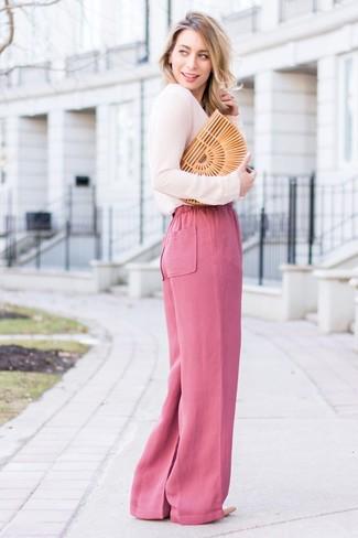 ecde001e26 ... Look alla moda per donna: Camicetta manica lunga rosa, Pantaloni larghi  fucsia, Décolleté