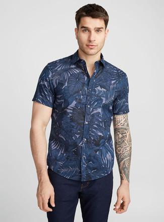 Come indossare  camicia a maniche corte a fiori blu scuro, jeans blu scuro a7c23ab6dfb